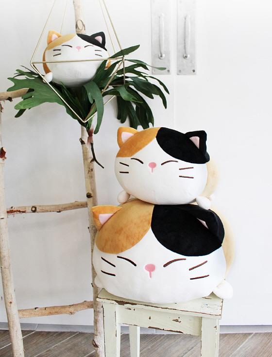 [메세] 모찌모찌 까망 고양이쿠션M